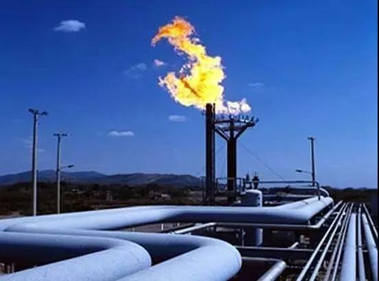 """国内首批""""进口LNG窗口一站通""""长期产品到港交货"""