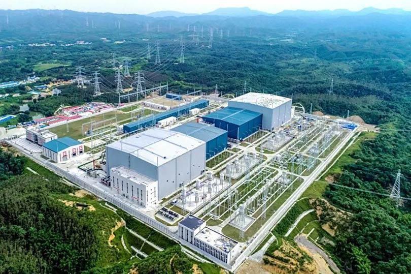 南方电网建成国内首个高压级联+1C电池方案的<em>电源侧</em>储能系统