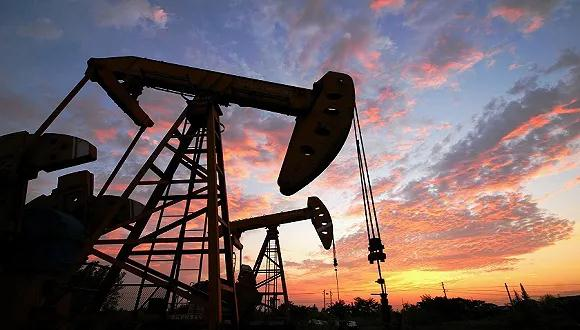 美元疲软INE原油微涨 一潜在利空恐致油市失衡