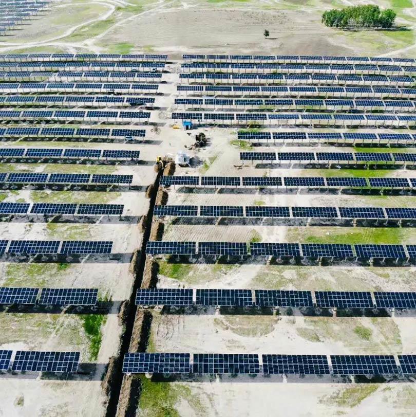内蒙古自治区达拉特光伏发电领跑者奖励激励基地项目全部并网发电