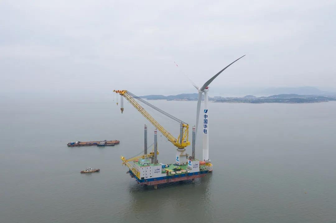 台湾首艘风电安装船铺龙骨