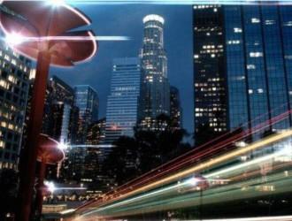<em>Totem路灯</em>变身能提供WiFi的汽车充电桩