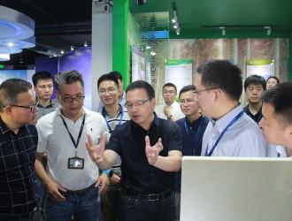 中国<em>环境</em>监测总站站长柏仇勇参观聚光科技股份有限公司