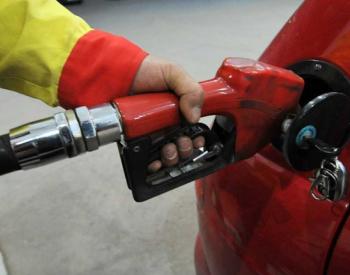 """沙特油田遇袭致油价大涨 国内油价18日或迎""""二连涨"""""""