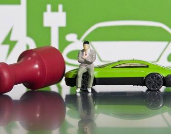 """掀起<em>新能源车骗补</em>的""""盖头"""":补贴都到谁兜里了?哪些在骗补?"""