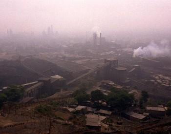 """严格<em>控制煤炭消费</em>总量,""""大气治理""""与""""温暖过冬""""并重"""
