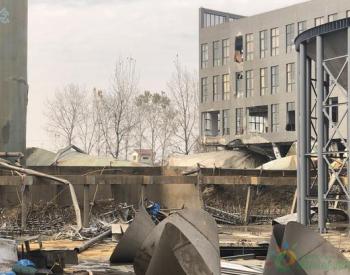 浙江海宁污水罐坍塌 村民:这些罐是镇上最新设备