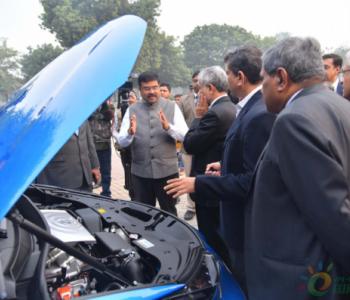 独家翻译 | <em>印度石油部长</em>呼吁发展氢燃料电池