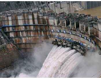 """92亿千瓦时!四川富余水电""""弃水""""降至六年来最低"""