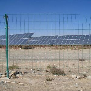 光伏围栏用于在太阳能分布式电站防护围网