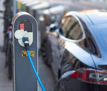 两部委:完善新能源车推广机制和机动车报废更新政策