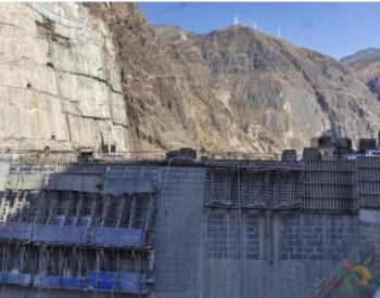 三峡集团乌东德<em>水电站</em>非溢流坝段全部浇筑到顶