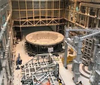 """人造太阳""""心脏""""安装开启 中核集团向全球核能高端<em>市场</em>迈出实质性步伐"""