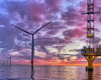 时代新材首款批量生产 <em>碳纤维</em>海上风电叶片下线