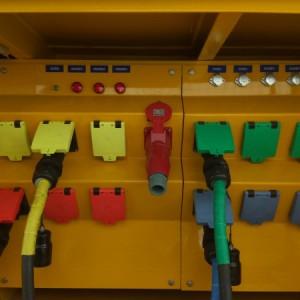 低压应急发电车快速接入装置