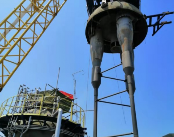 石化四建吊运团队完成天津石化催裂化反应器头盖旋封吊装