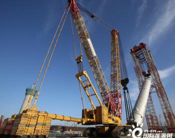 中国石化国内最重单台<em>设备</em>整体吊装纪录被刷新