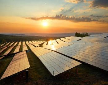 到2030年直接投资超5500亿元!哈密规划建设含<em>光伏</em>、光热项目的综合能源基地