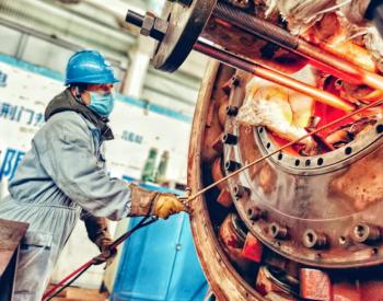 全球首台单轴全速单机容量最大<em>火力发电机</em>组一次性通过168小时满负荷试运行