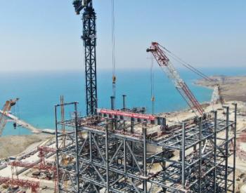 土耳其胡努特鲁燃煤电站1号锅炉大板梁开始吊装