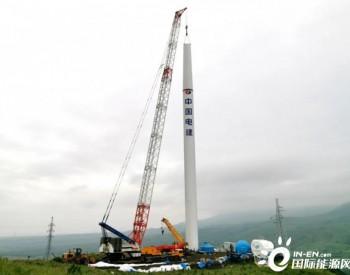 中国水电河北万全风电场二期工程49.5兆瓦<em>风电</em>塔筒顺利完成吊装
