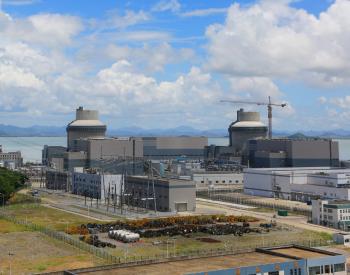 先进三代核电机组反应堆达临界方式及特性分析
