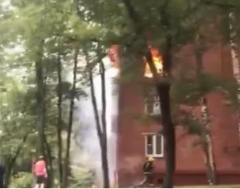 莫斯科一公寓发生爆炸起火 或<em>天然气泄漏</em>导致