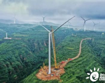 全球首款大风机安装重器-XGC11000A履带吊交付北京憧憬