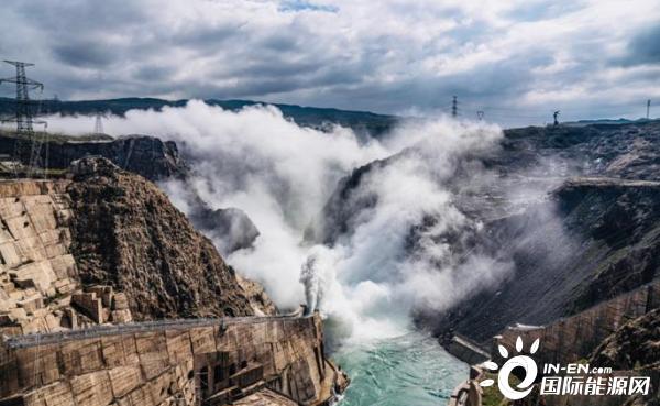 """""""黄河第一坝""""龙羊峡水电站达到正常蓄水位"""