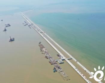 盛虹<em>煉化一體化</em>配套港儲<em>項目</em>碼頭工程提前2個月完成主體施工