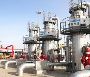 新疆油田<em>呼图壁储气库</em>开井采气 每日约1500万方注入西气东输管网