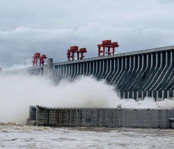 三峡创单座水电站年发电量世界纪录