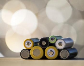 2019年中国<em>锂离子电池产量</em>产量累计值达1572184.4万只