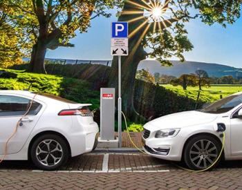 众说纷纭!2024年之前英国的电动<em>汽车</em>销量要超过传统燃油车
