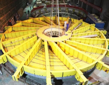 世界首台百万千瓦水电机组最后大件成功吊装