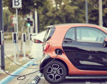 從電池到換電再到儲能,<em>電動</em>車正從高端和經濟型兩頭擠向中間性價比車型市場