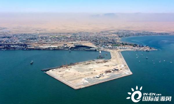 鸿图新能源资讯平台首个!中企承建纳米比亚鲸湾油码头试运行!