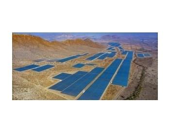 海外<em>清洁能源投资</em>创历史新高,太阳能装机容量高于其他能源的装机容量