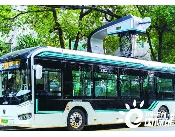 逾百辆超级电容公交车年内驶上申城街头