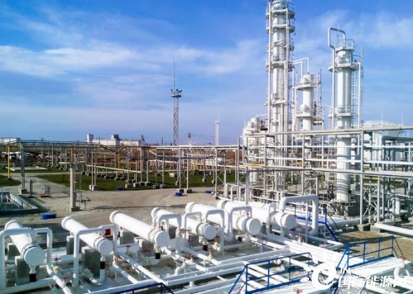 鸿图新能源资讯平台中国石油千叶合资炼厂接卸首船进口原油