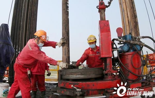 中国石化西南石油局江沙318HF井大型体积压裂改造成功