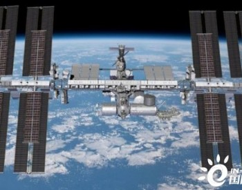 波音将向国际空间站交付6个全新太阳能电池阵列