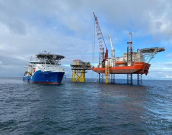 三峡集团英国Moray海上风电项目首台9.5MW风机成功吊装
