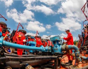 中石油国内油气产量当量去年首次突破2亿吨