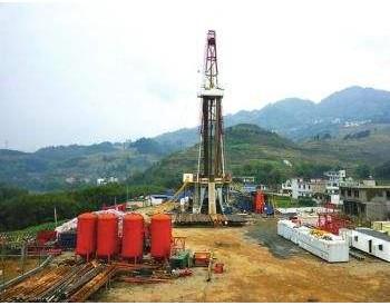 中国首口自营深水探井转开发井获成功