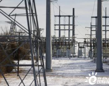 美国多个州因为断电回到烧柴时代