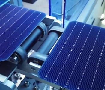 中环股份倡议160μ更薄硅片,可节约6.8%硅料使用量,全行业每年或可增加20GW硅片产出...