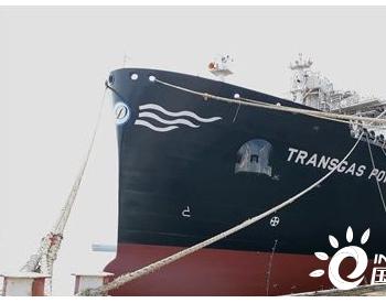 沪东中华FSRU-LNG首制船顺利出坞