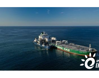 Sovcomflot与壳牌合作完成美国首次远洋油船船对船LNG加注