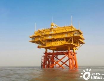 国家电投江苏如东H4、H7两座海上升压站上部组块先后吊装就位